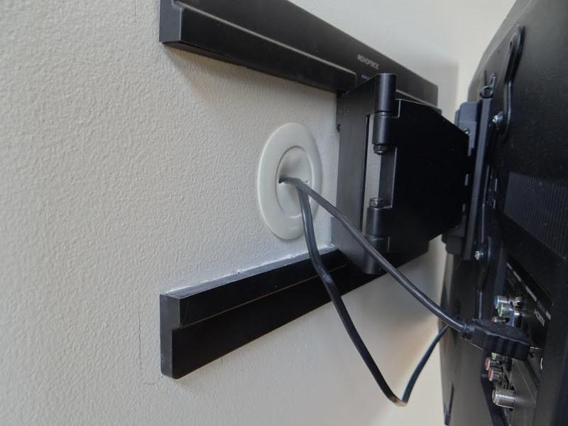 как спрятать провода от телевизора на стене идеи