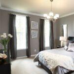 шторы классика коричневые в спальне