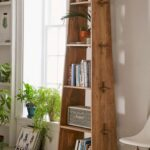 книжный шкаф треугольный