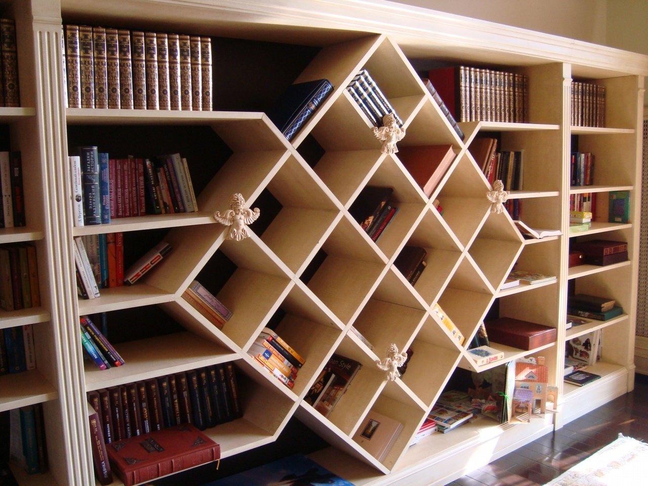создании книжного шкафа