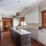 короткие шторы на кухне идеи интерьер