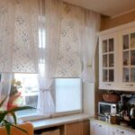 короткие шторы на кухне идеи вариантов