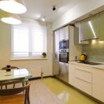 короткие шторы на кухне виды декора