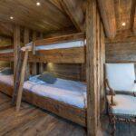 кровать для дачи фото интерьера