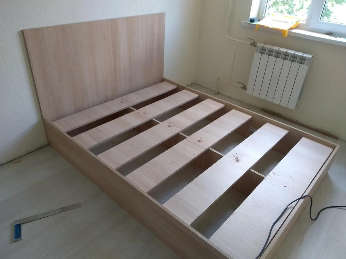 кровать из дсп сборка