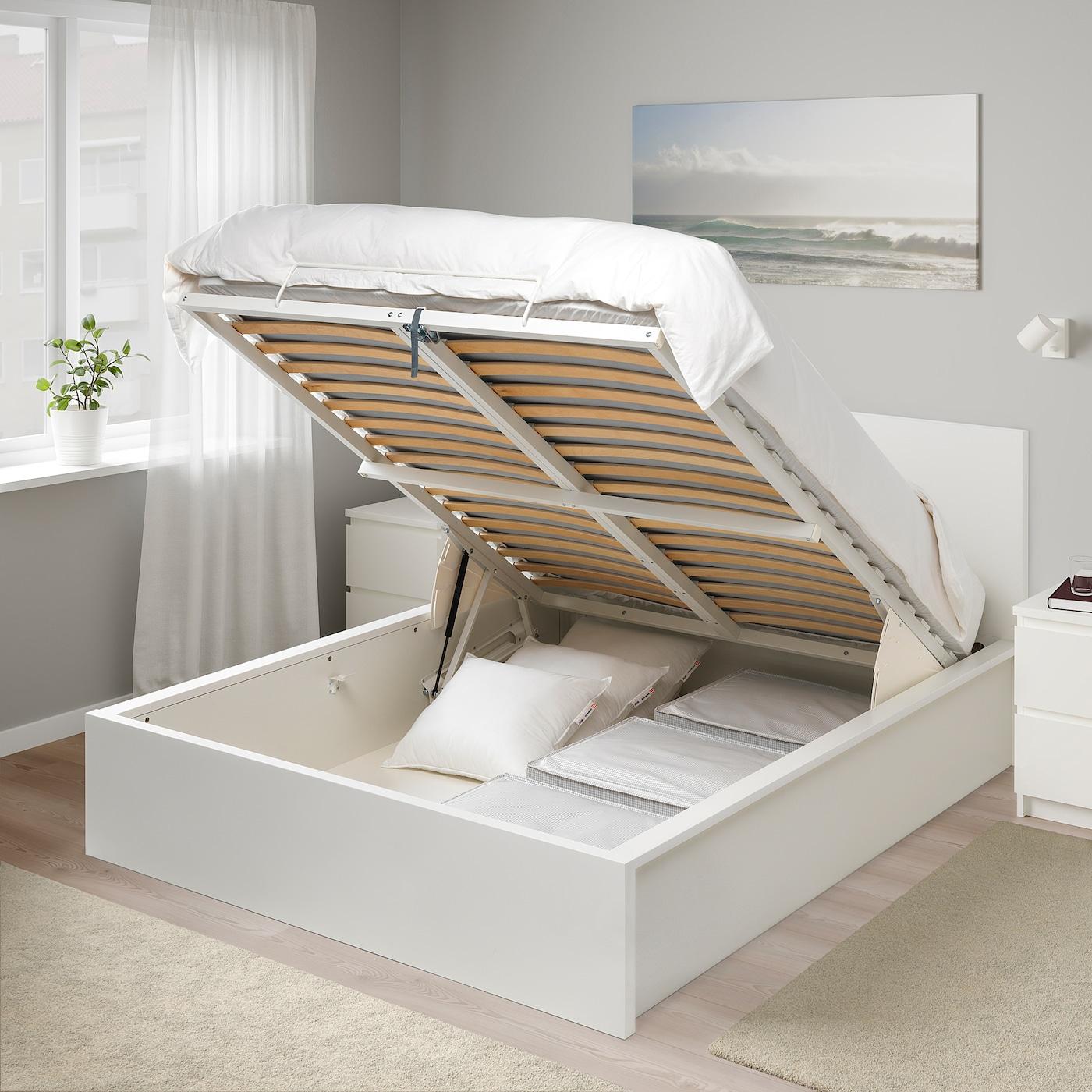 удобная кровать с механизмом