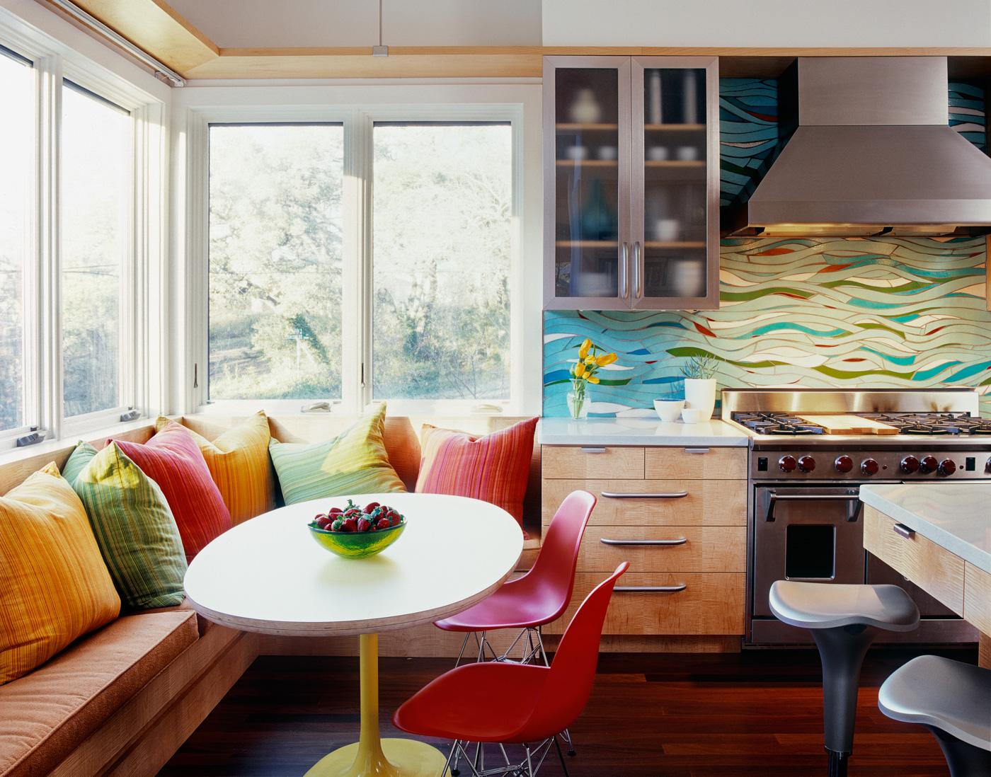 кухня 10 кв м с диваном фото идеи