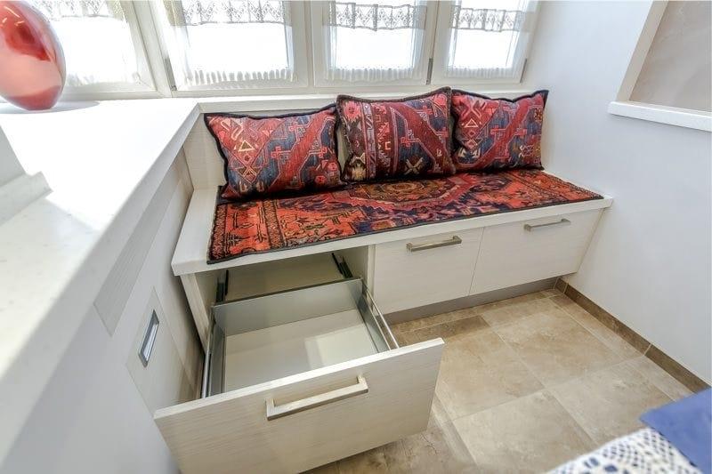 кухня 10 кв м с диваном фото интерьер