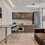 кухня 15 кв метров с диваном фото интерьера