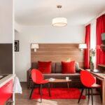 кухня 15 кв метров с диваном фото дизайна