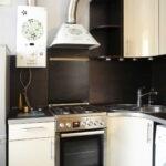 кухня с газовой колонкой декор