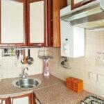 кухня с газовой колонкой оформление фото