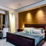 лампы в спальне над кроватью оформление