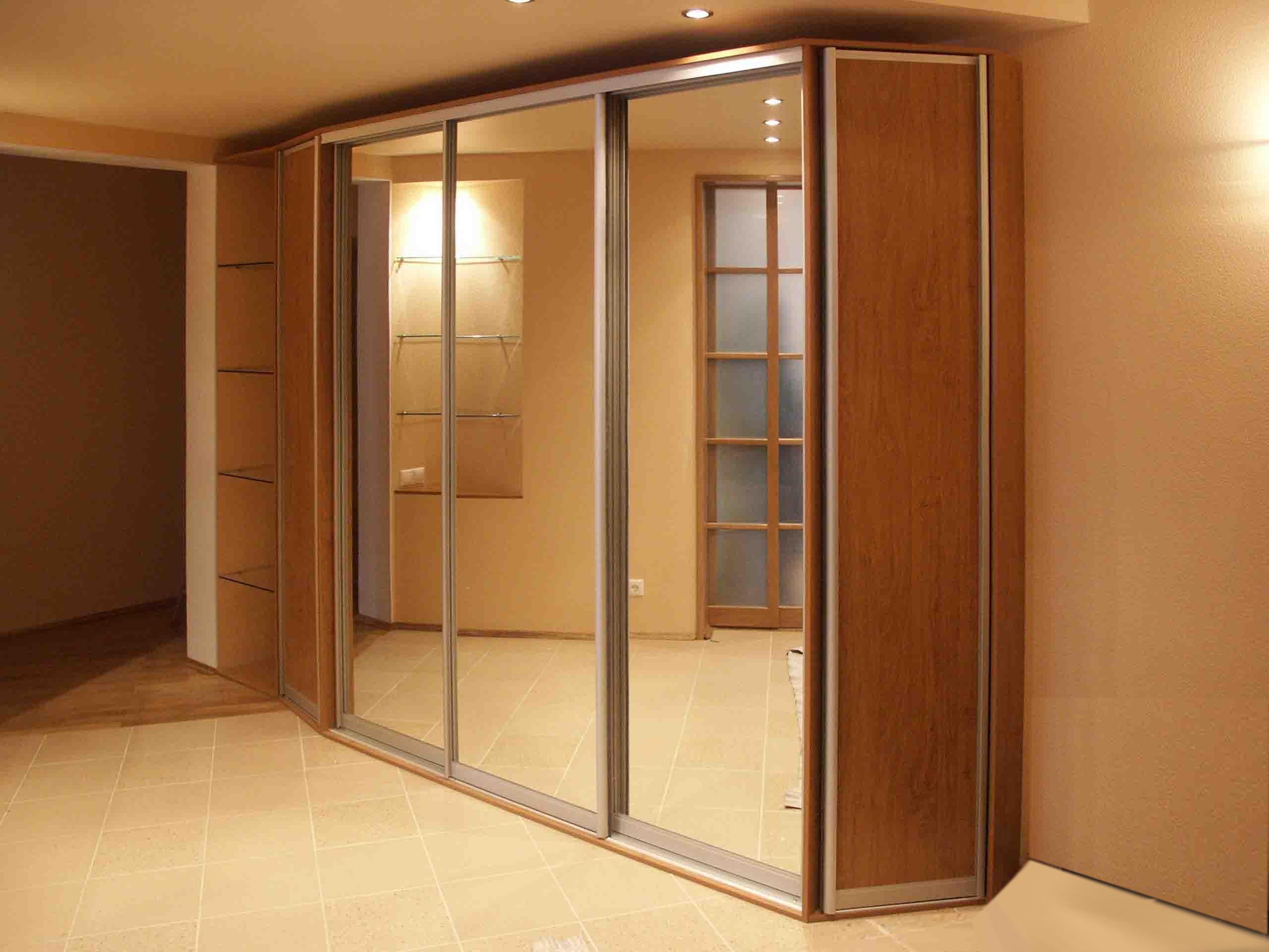 установка трех дверей