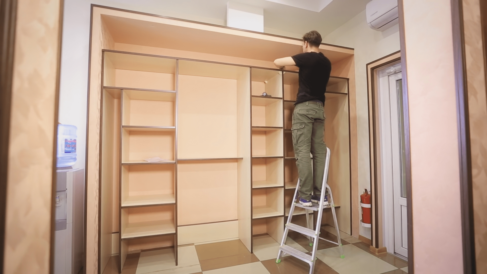 выравнивание шкафа