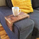 накладки на диванные подлокотники фото интерьера