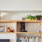 настенные полки для кошек интерьер