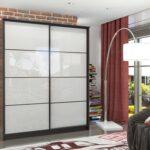 навесные двери для шкафа купе идеи интерьера