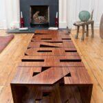 стол из дерева с буквами