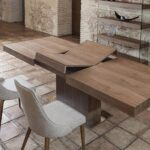 стол из дерева складной
