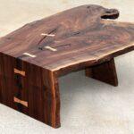 стол из дерева темный фигурный