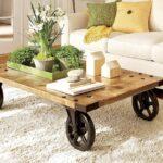 стол из дерева на колесах