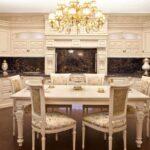 красивый неоклассический кухонный гарнитур