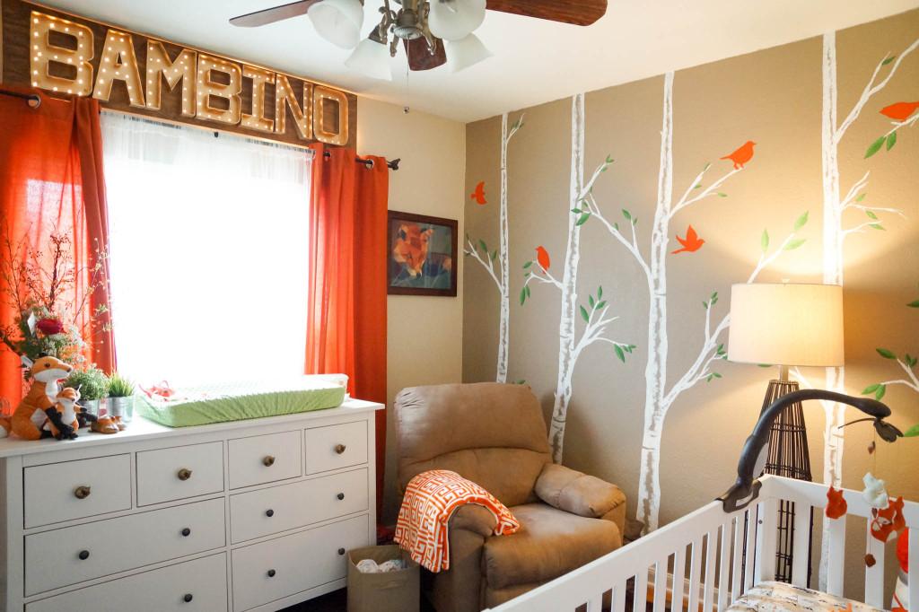 оранжевые шторы в детской