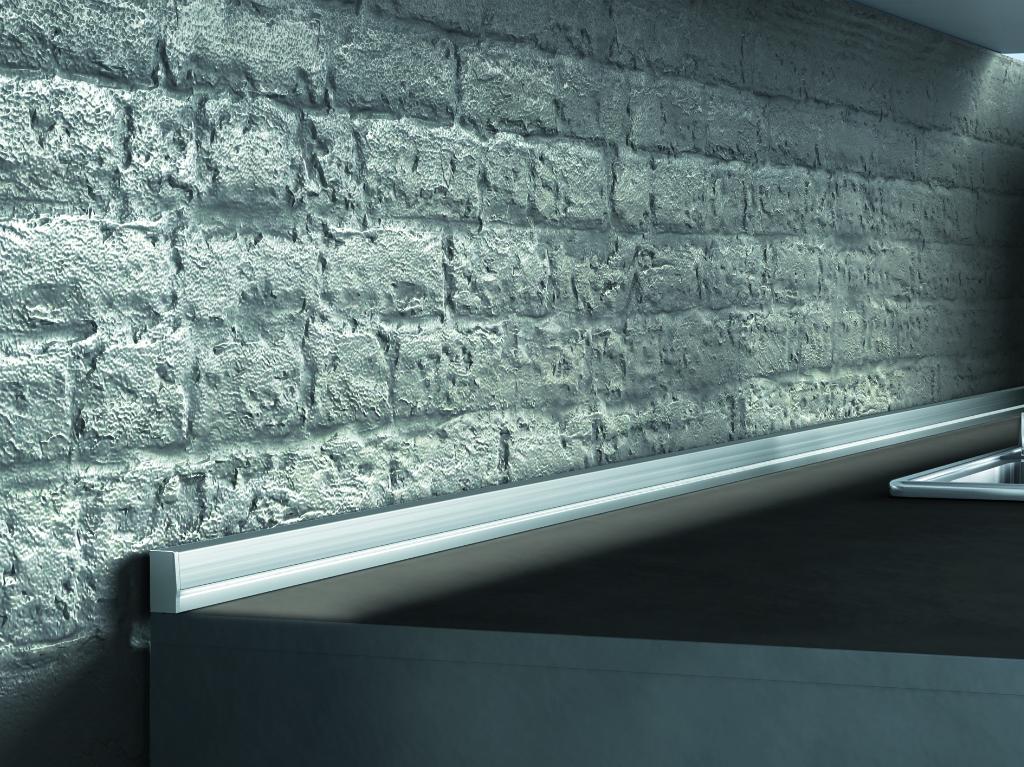 алюминиевый плинтус для столешницы дизайн