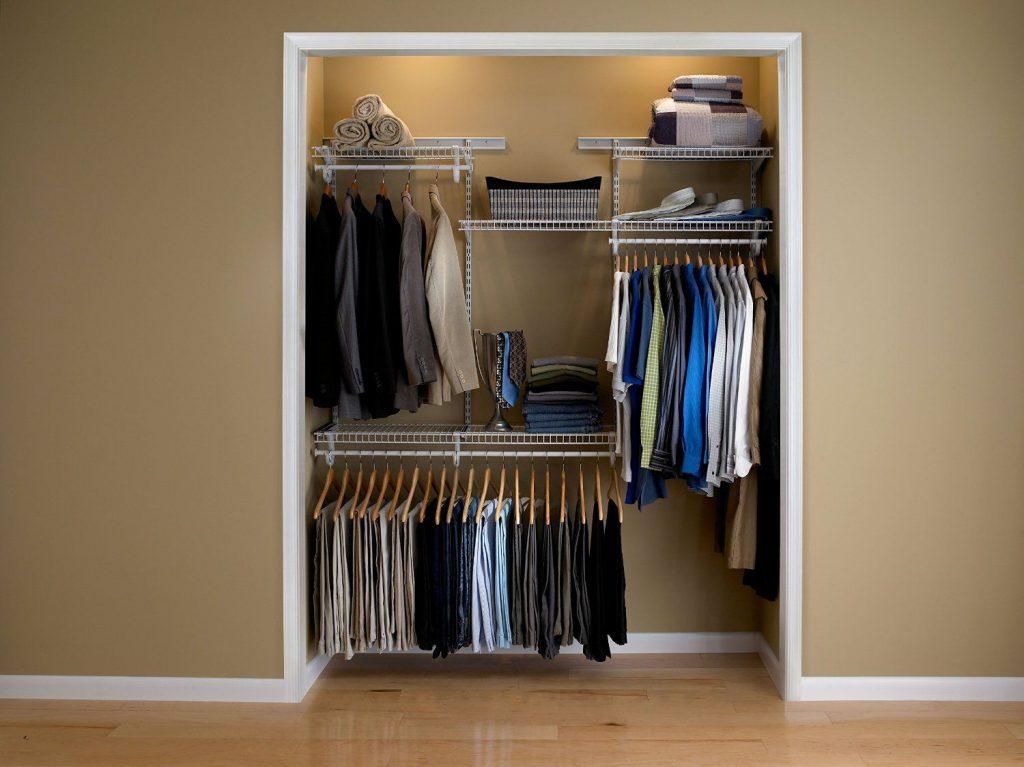 полки в нише в гардеробной
