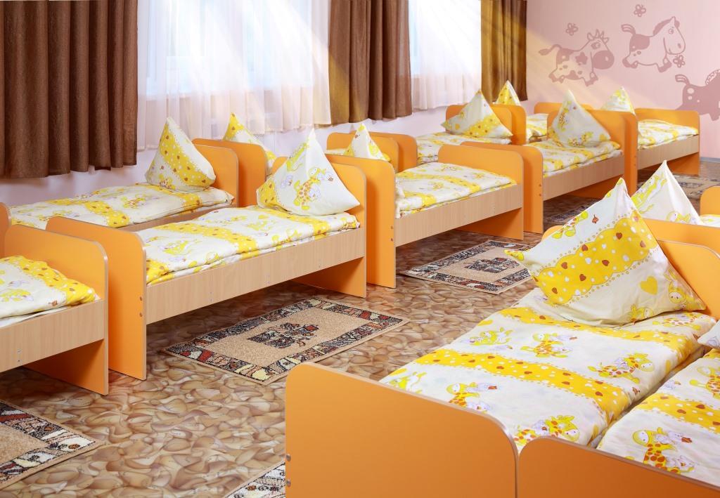 постель в детском саду