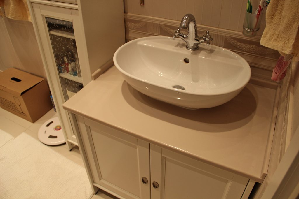 раковина с тумбой в ванной как установить