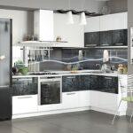 кухня с черными вставками