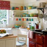 кухня маленькая красная