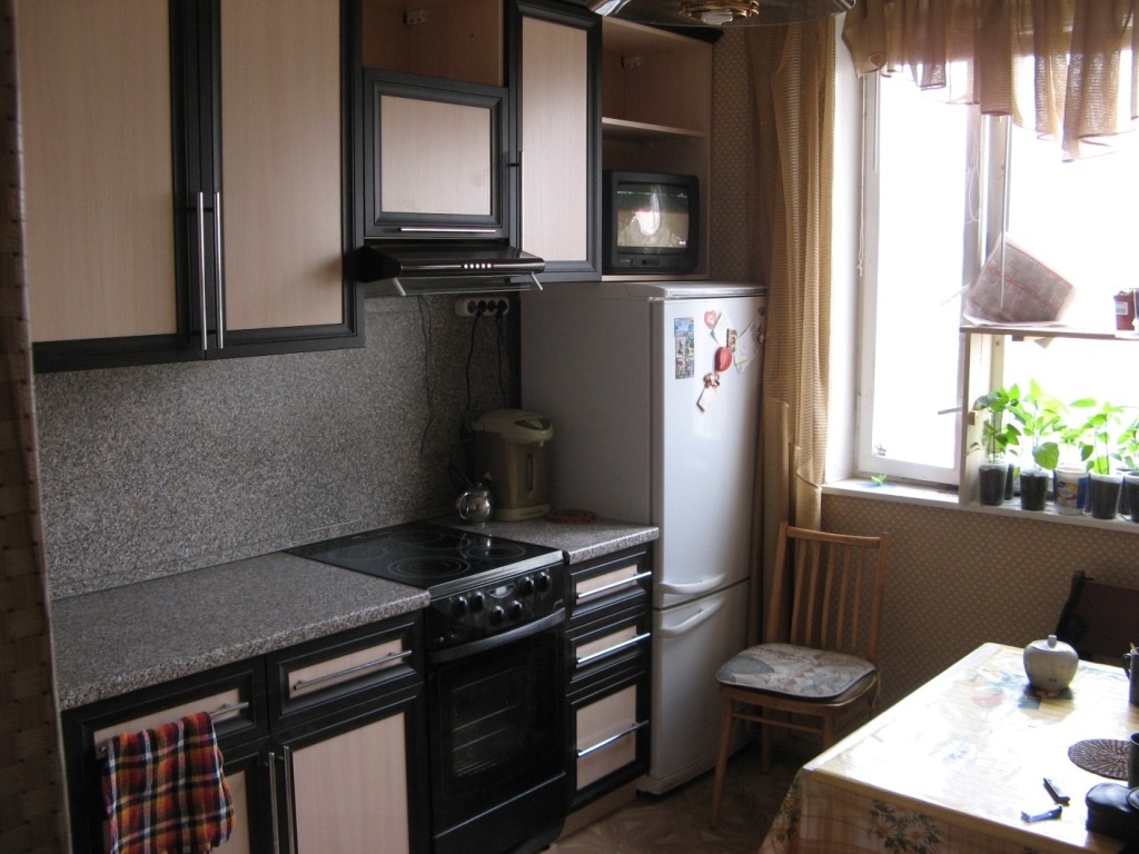 размещение плиты на кухне