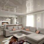 кухня с большим диваном