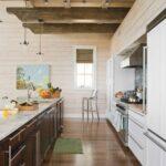 кухня длинная линеная