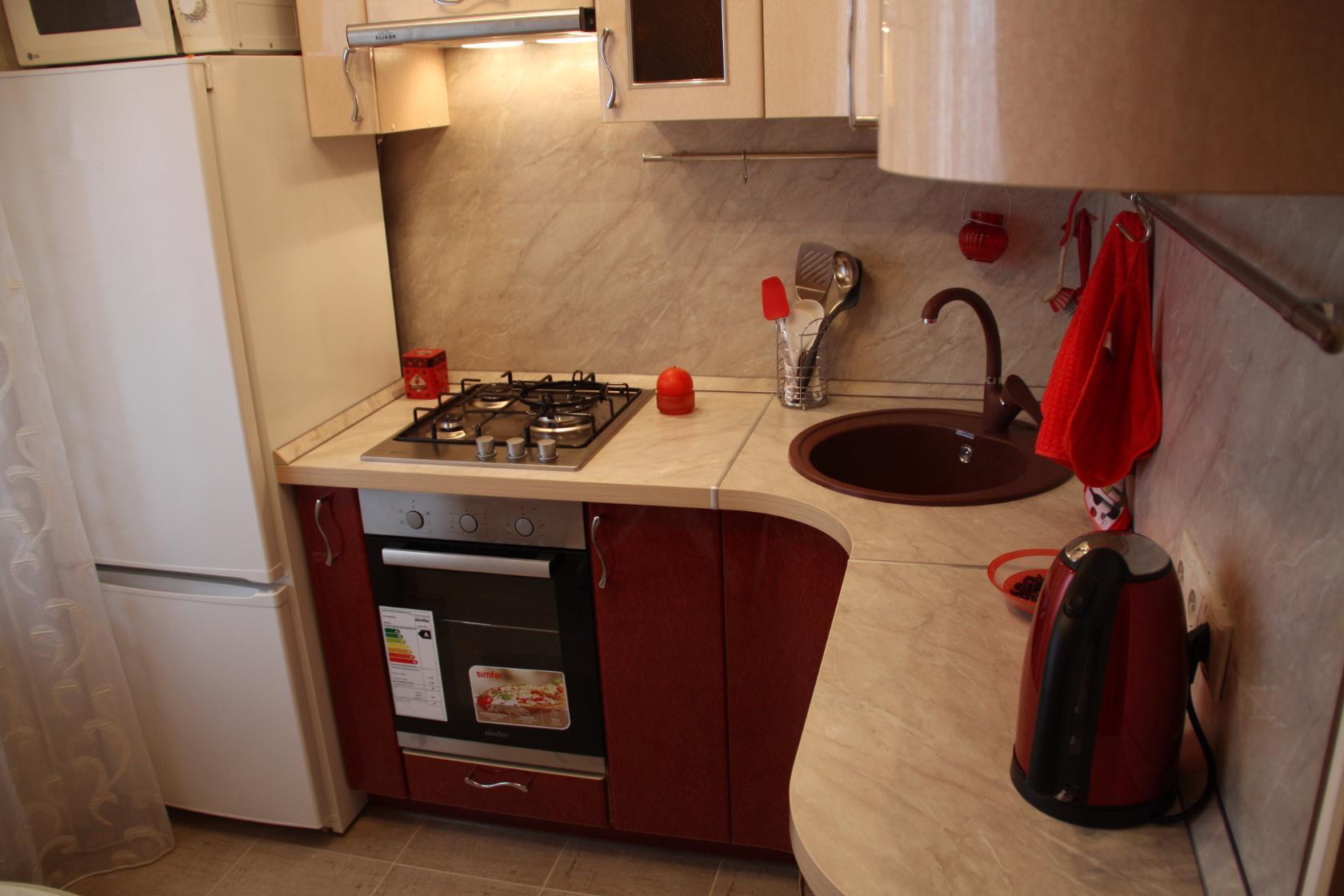 зауженная модель холодильника