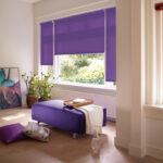 рулонные шторы фиолетовые в гостиной