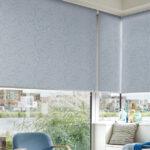 электро-рулонные шторы серые