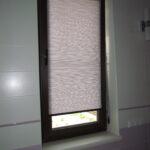 электро-рулонные шторы одна