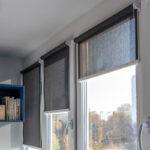рулонно-кассетные шторы серая