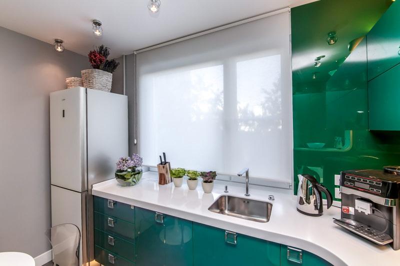 шторы для маленькой кухни декор фото