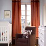 шторы на окна красно-коричневые