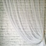 шторы-сетка на стене