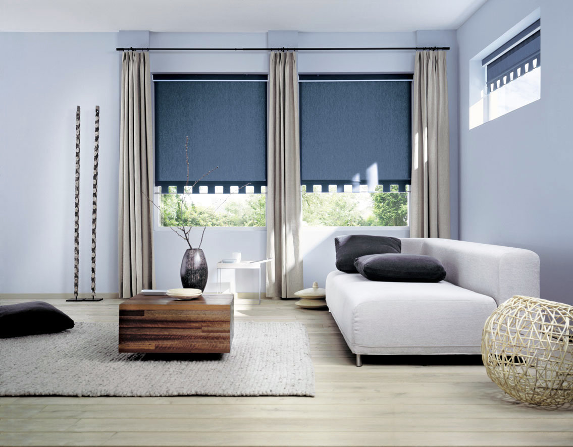 минималистские шторы в интерьере