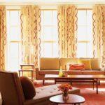 шторы модерн с красным рисунком