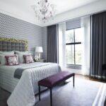 серые шторы в сппальне