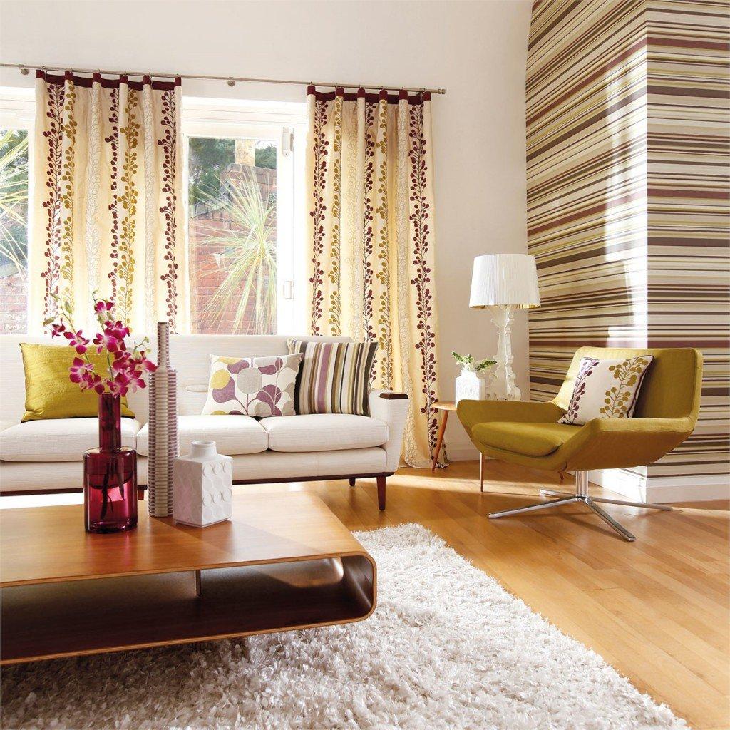 Сочетание обоев и штор в гостиной фото первых