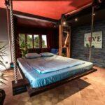 современная подвесная кровать фото интерьер